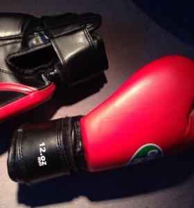 Боксёрские перчатки 12.oz