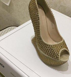 Туфли новые.размер 38