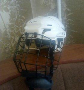 Шлем для хоккея
