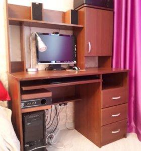 Компьютерный стол письменный