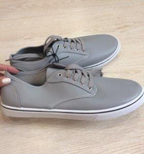 новые мужские кеды кроссовки 44 размер