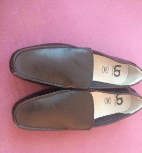 Мужские легкие туфли
