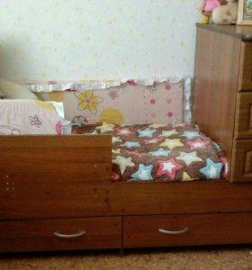 Кровать трансформер+ комплект постельного белья и