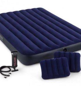 Двухспальный надувной матрас (насос, 2 подушки)