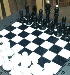 продам деревяные шахматы ручной работы