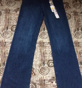 Новые джинсы фирмы Volcom