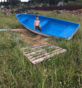 Лодка вёсельная,прогулочная,облегчённая.