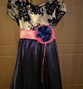 Продам платье на девочку 5-6 лет