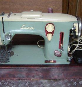 Швейная машинка Чехословацкого производства Lada.
