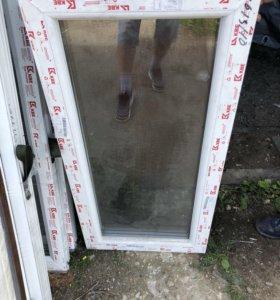 Окно с треснутым стеклом