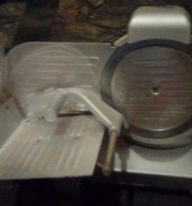 Горячей стол. Резка для колбасы и сыра