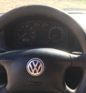 Volkswagen Golf, 2001