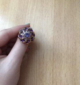 Продаётся кольцо