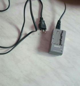 Sony BC-TRP, зарядное устройство и сетевой адаптер