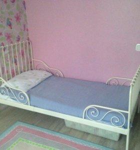 Кровать раздвижная с реечным днищем и матрасом