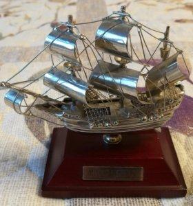 Корабль статуэтка