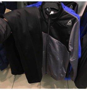 новый мужской спорт костюм Reebok