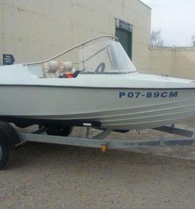 """Лодка """"Полячка"""" с двухтактным мотором Меркури-60"""
