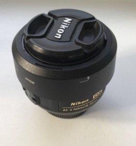 Объектив Nikon 35 mm 1.8-G