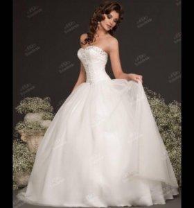 Платье свадебное 42-46 после химчистки
