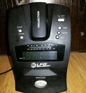 Часы электронные б/у