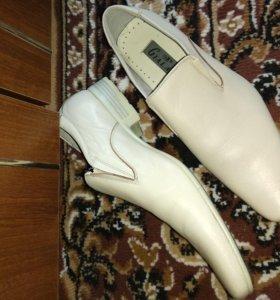Костюм и туфли
