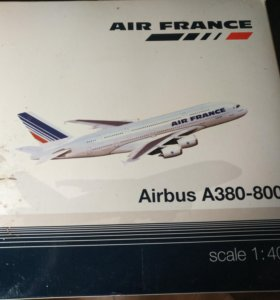 Модель самолета 1:400 Airbus A380-800 Air France