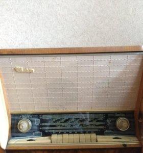 Ламповый радиоприемник Латвия