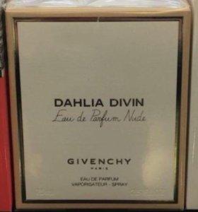 Парфюм Givenchy Dahlia Divin Nude