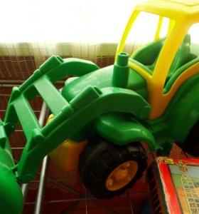 Большой универсальный трактор погрузчик бульдозер