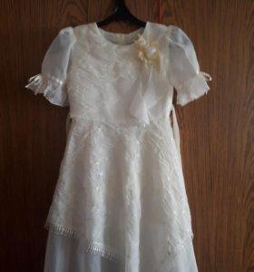 Нарядное платье 8-9 лет