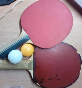 Тенисные ракетки с двумя шариками