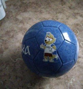 Футбольный мяч с символикой ЧМ 2018