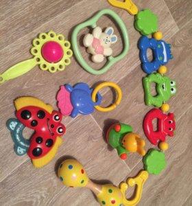 Игрушки для малыша 1