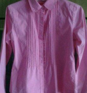 Продам блузки для школы.