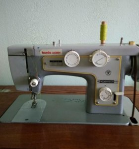 Швейная машина с ножным приводом