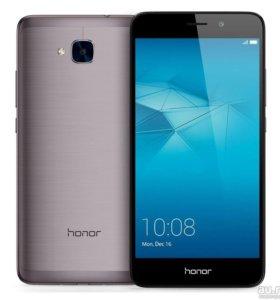 Продаю телефон honor 5 c