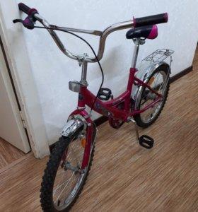 Велосипед Детский. Есть доп колеса.