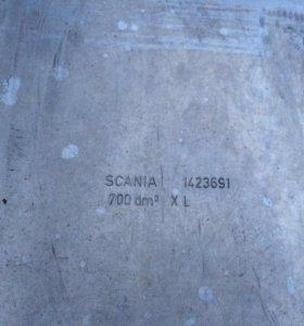 Топливный бак на 700 л скания