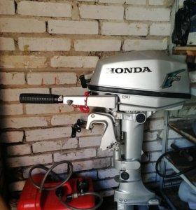 Лодочный мотор Honda 5 л.с.
