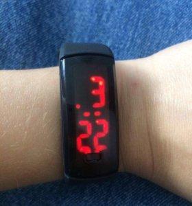Часы LED