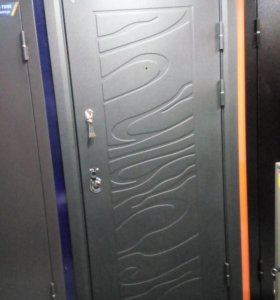 Двери монолитные
