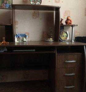 Письменный стол ( деревянный )