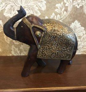 Слон ручной работы из массива, с бронзой