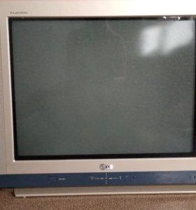 Телевизор LG, большой