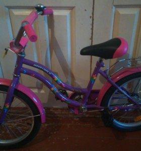 Велосипед детский, двух колесный.