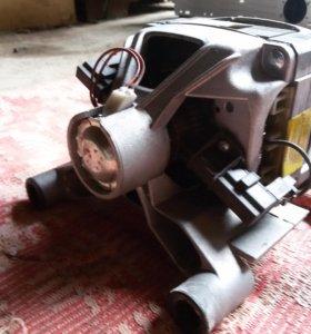 Двигатель от стиральной машины Аристон