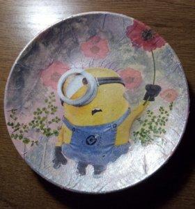 Тарелка в стиле декупажа