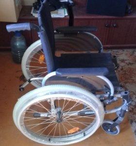 Кресло-каталка OTTOBOCK. с ручным приводом