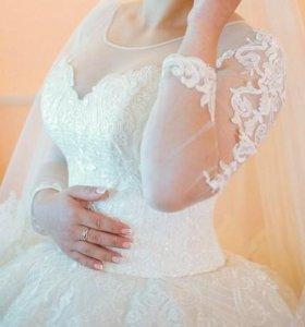 Свадебное платье покупалось за 40 000